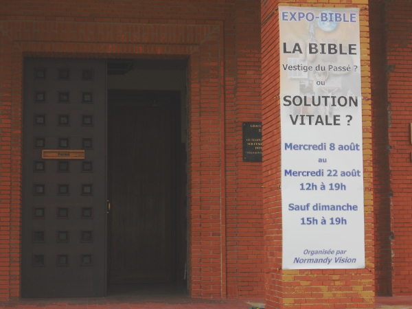 Expo-Bible showing bookstall